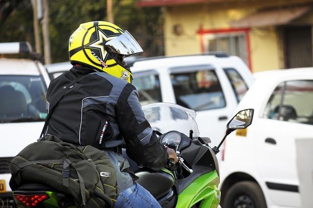 motorkář na cestách