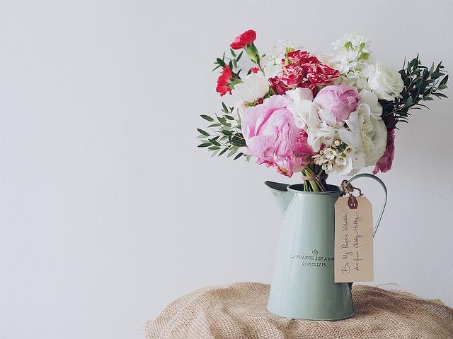 kytice ve váze
