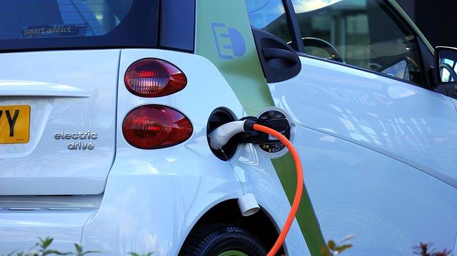 nabíjení elektrického automobilu